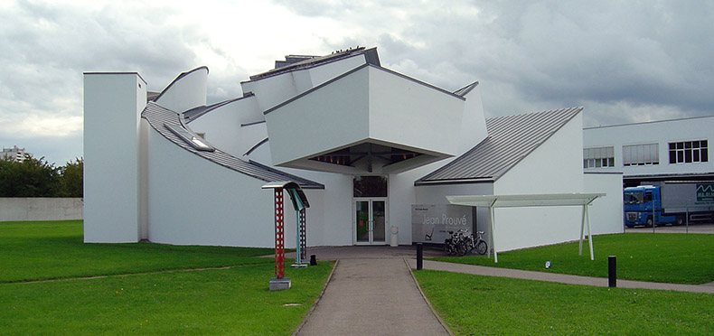 Vitra_Design_Museum,_front_view.jpg