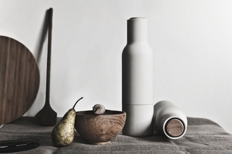 Salt-Pepper-Bottle-Grinder-by-Norm-Architects-01.jpg